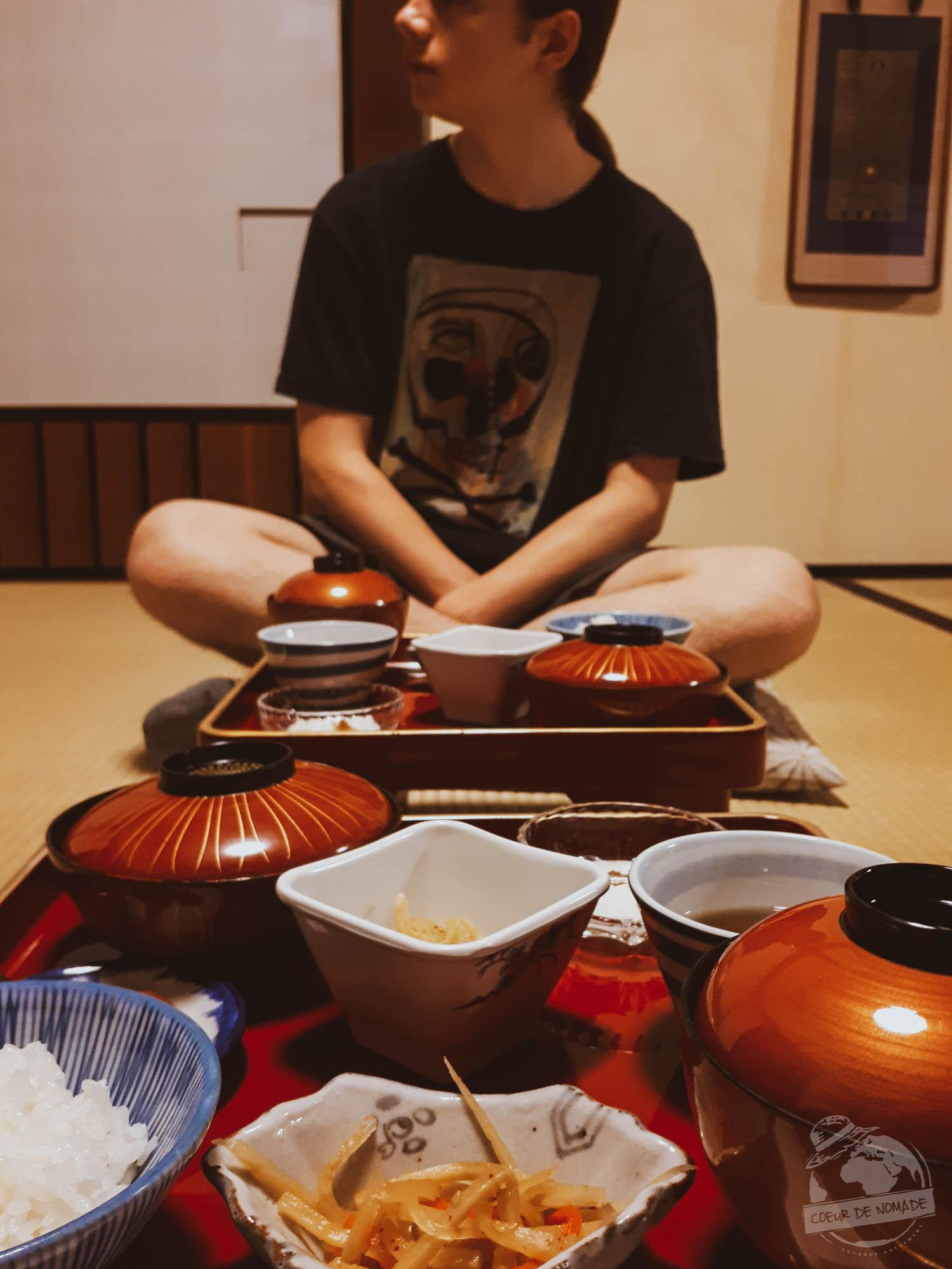 déjeuner temple bouddhiste