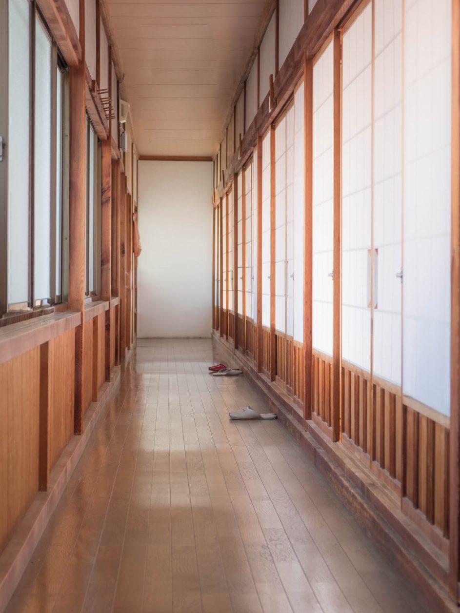 Corridor menant à notre chambre dans un temple bouddhiste à Koyasan