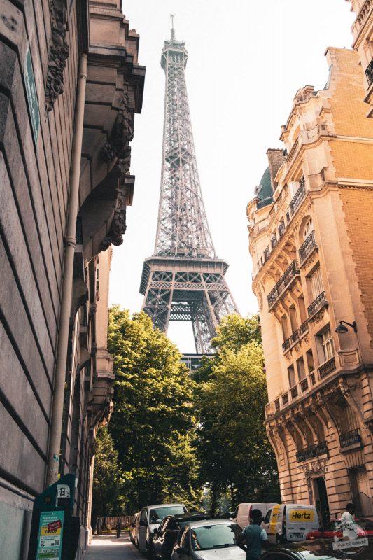 Au détour la tour Eiffel