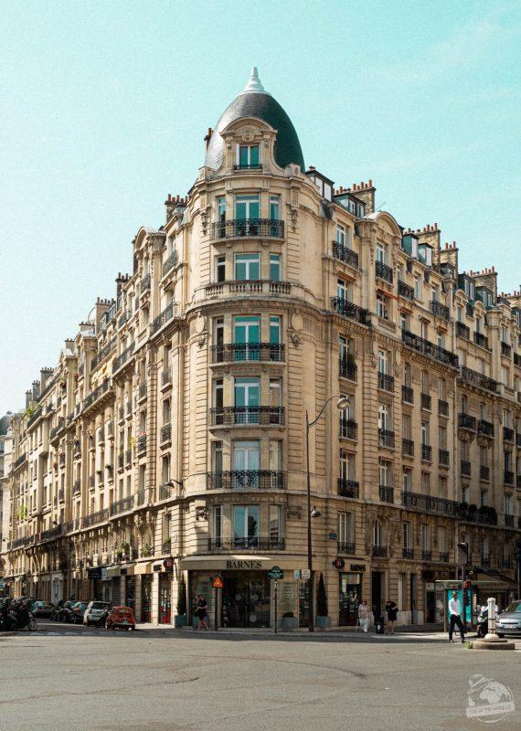 Un bâtiment à Paris