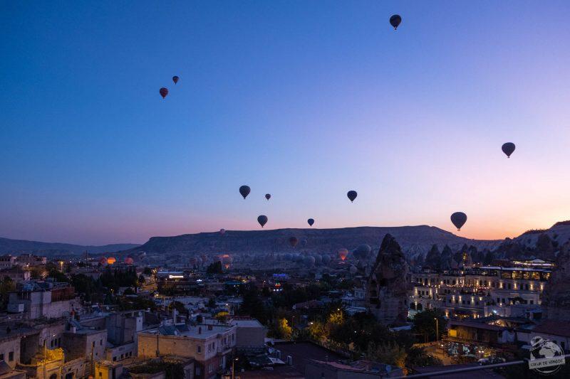 Göreme, Cappadoce (levée de soleil et montgolfières)